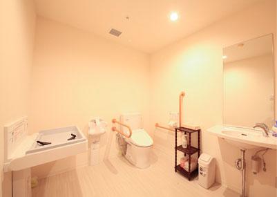 バリアフリー対応の「みんなのトイレ」