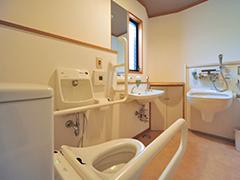 高齢者の箱根旅行!半バリアフリーな 湯河原温泉旅館『おんやど恵』